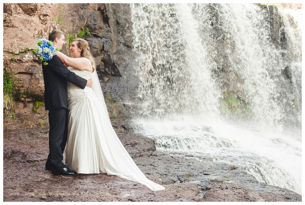 Two Harbors Minnesota Wedding 17